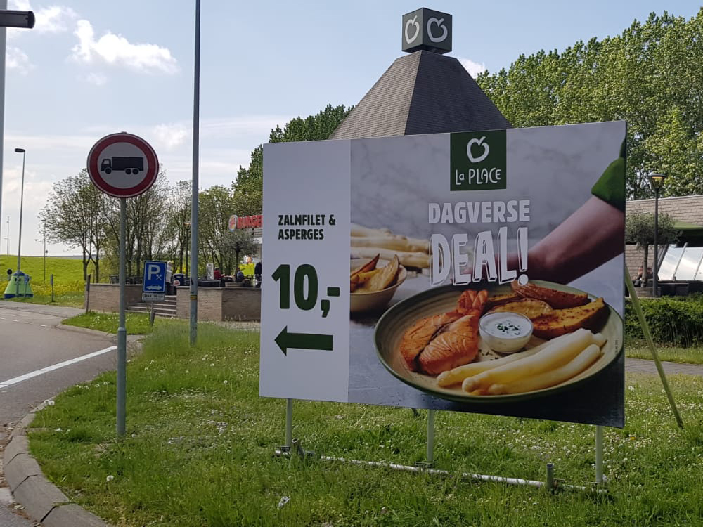 actiemarketing campagne la place blindframe staand 1000x750