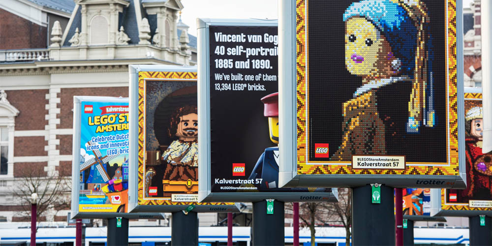 buitenreclame trends spectacular trotters lego amsterdam