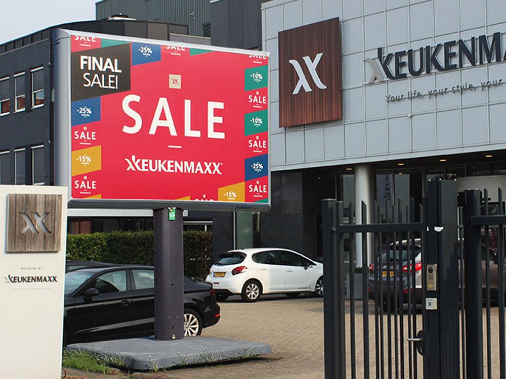 Reclame voor keukenzaken trotter billboard offline retail marketing