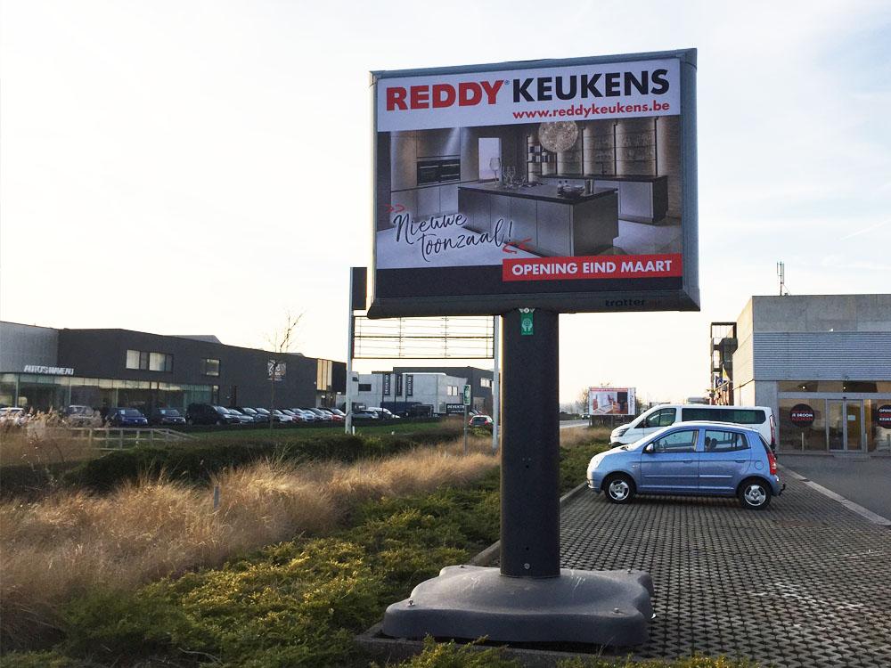 Reclame voor keukenzaken trotter billboard offline retail marketing 1000x750