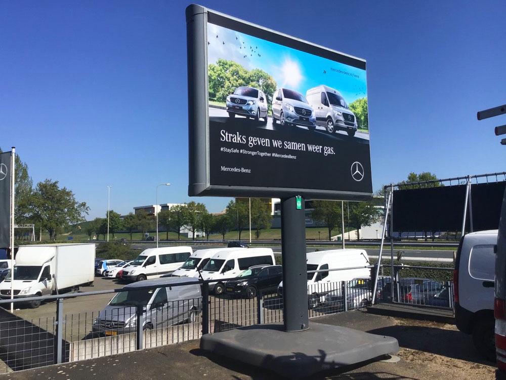 Mercedes trottercampagne landelijk trotter trotterbord billboar 1000x750
