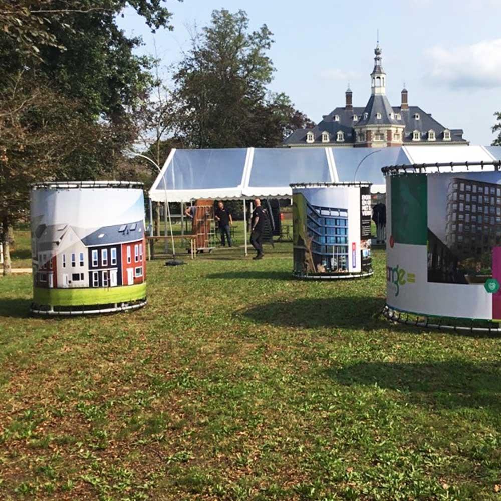 Cilinderborden voor evenementen informatieborden interactie met de bezoeker 1000x1000