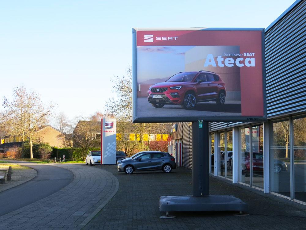 seat trotter campagne ateca landelijk trotter billboards automotive marketing 1000x750