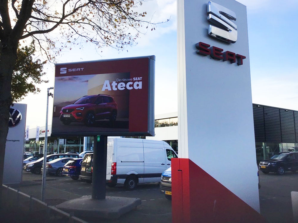 seat trotter campagne ateca landelijk trotter billboards automotive marketing 2 1000x750